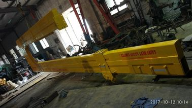 China U Shape Unloading Crane For 40 Feet Containers , C Shape Loading Unloading Crane distributor